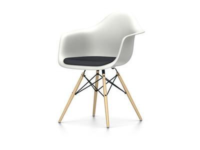 Vitra Eames Plastic Armchair DAW mit Sitzpolster